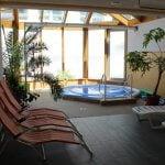 Sauna Bewegungsbecken und Ruhezone